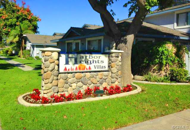 Harbor Heights Villas Community in Huntington Beach, California