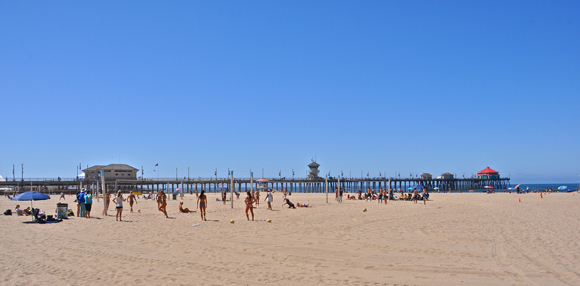 Image of the Huntington Beach Pier Area