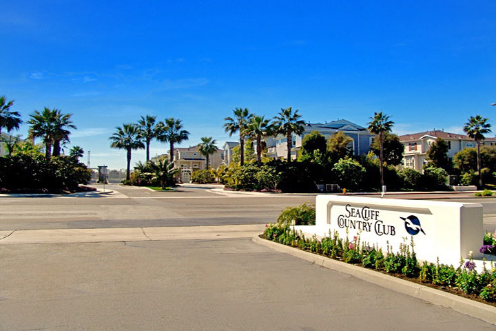 Seacliff Country Club Gated Community in Huntington Beach, CA