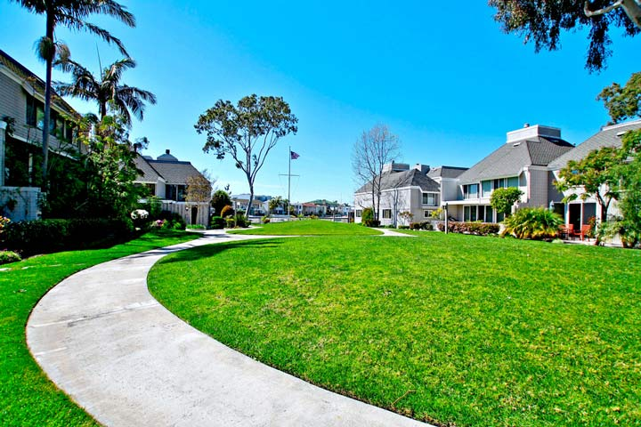 Tennis Estates Community In Huntington Beach, California