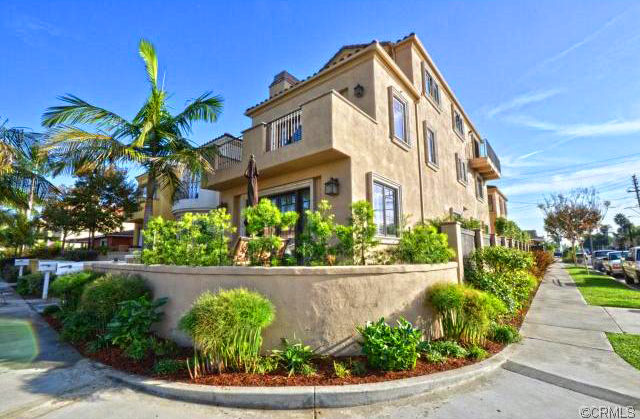 Vista Del Mar Home For Sale in Huntington Beach, California